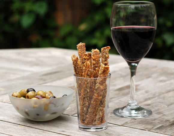 low-carb-cheese-straws-landscape-580