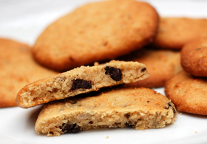Low-carb sugar-free peanut butter cookies