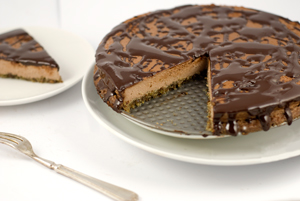 Low-carb chocolate cheesecake, sugar-free, gluten-free