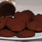 Chocolate biscuits (11g carbs per 100g)