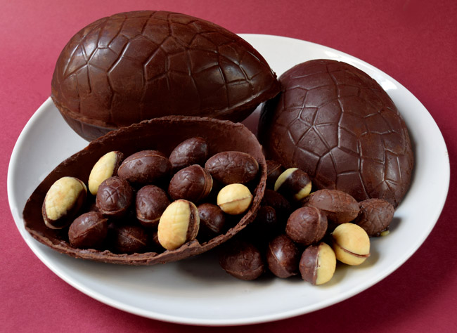 How to Make Low-carb Sugar-Free Chocolate Eggs