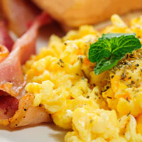 low-carb-breakfast-scrambled-eggs